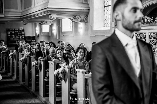 bräutigam in der kirche