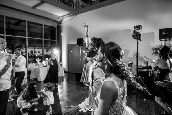 Hochzeitsfotograf-300.jpg
